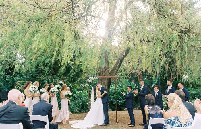 Holly And Blake's Crisp And Classic Garden Wedding - Modern Wedding