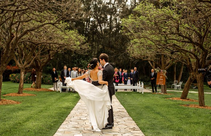 What To Know About Planning A Covid Wedding - Modern Wedding