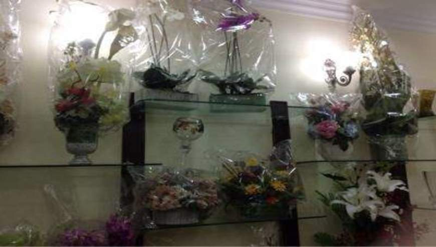 Bunnies-Flowers-Gifts4-1