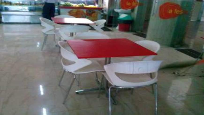 La-Festa-Food-Plaza-2