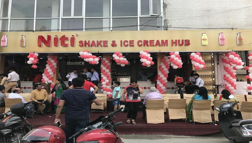 niti-shake-and-ice-cream-hub-pitampura-delhi-ice-cream-for-wedding-10dmbne
