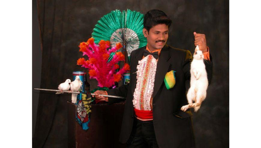 Magician-Ravi-1