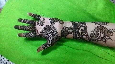 Mayuri-Boutique-And-Mehndi-Artist-1-1